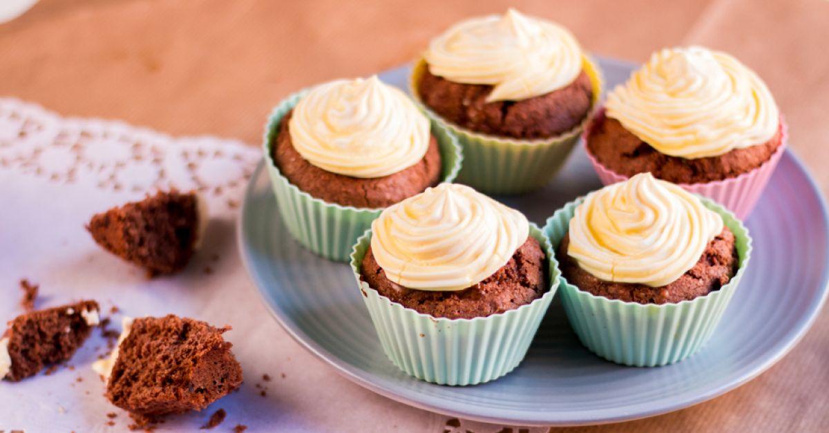 eierlik r cupcakes selber machen rezept eat smarter. Black Bedroom Furniture Sets. Home Design Ideas