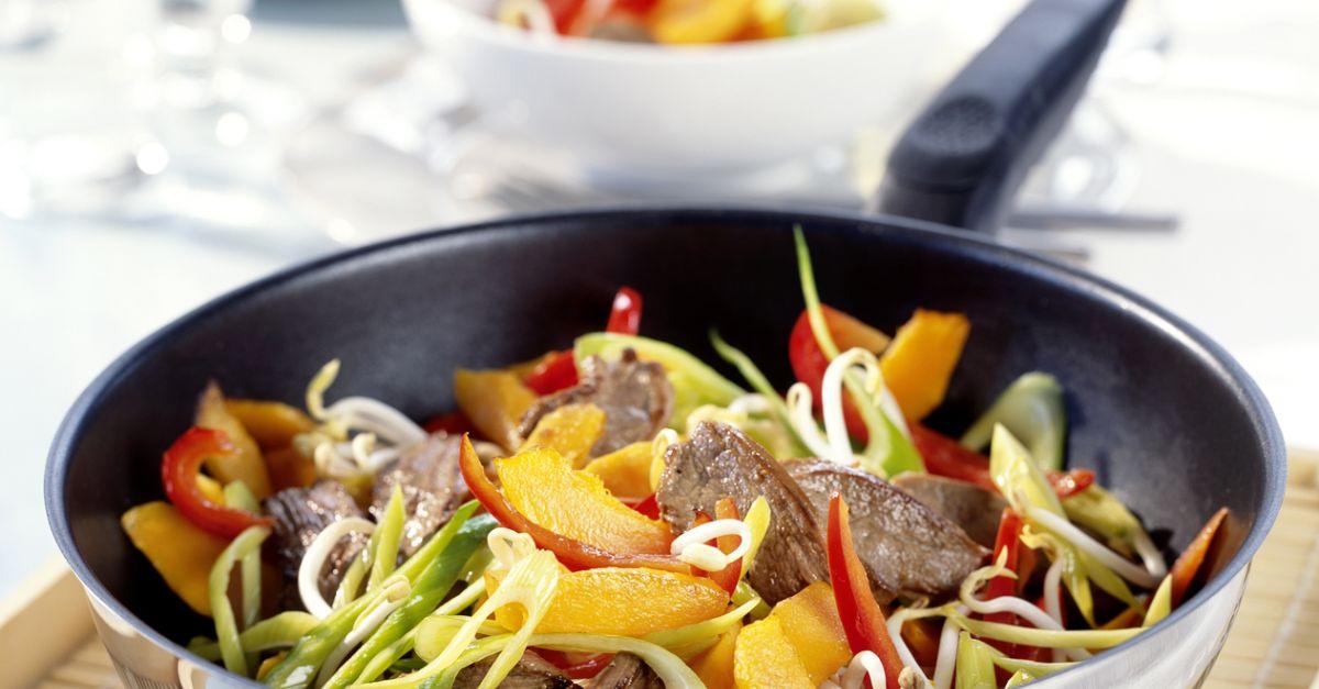 entenbrust mit k rbis paprika gem se aus dem wok rezept eat smarter. Black Bedroom Furniture Sets. Home Design Ideas
