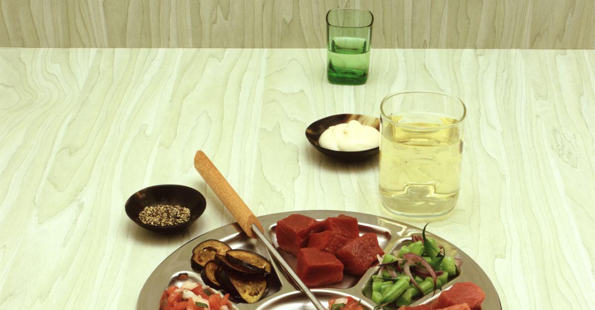 fleischfondue mit beilagen rezept eat smarter. Black Bedroom Furniture Sets. Home Design Ideas