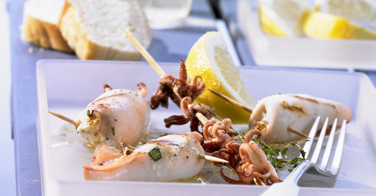 gegrillte calamari mit feta f llung rezept eat smarter. Black Bedroom Furniture Sets. Home Design Ideas