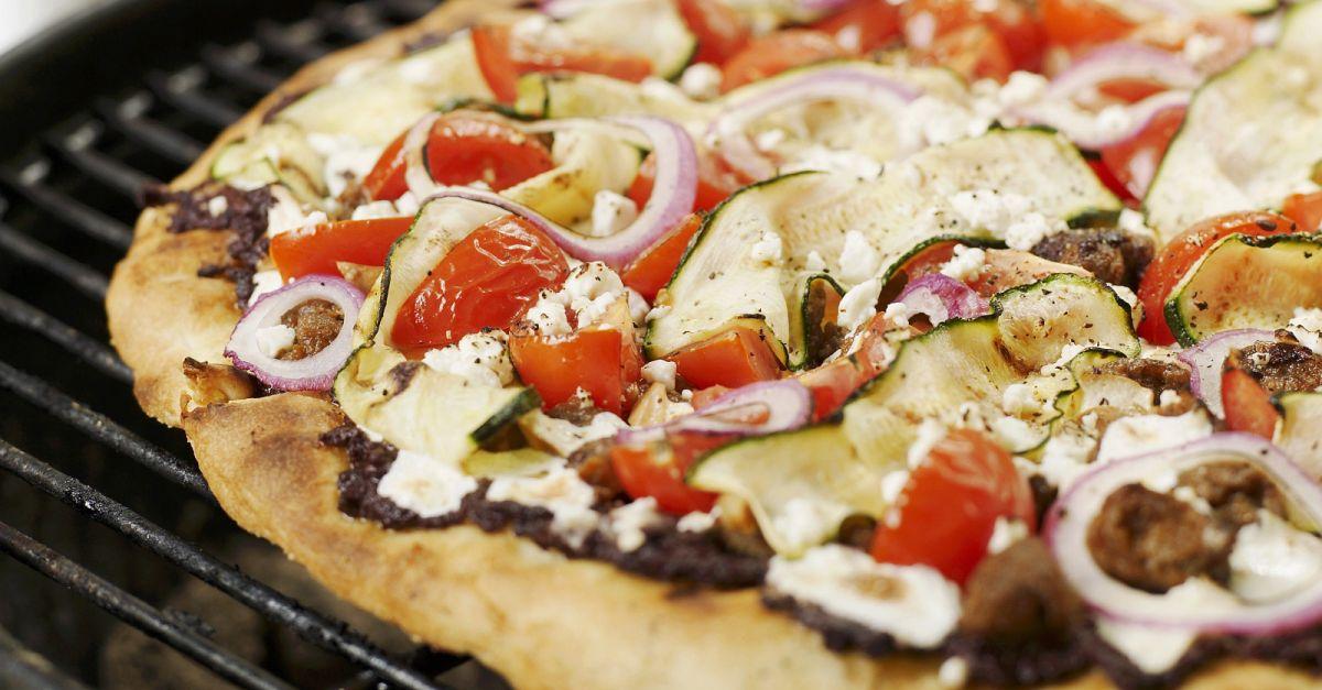 gegrillte pizza auf griechische art rezept eat smarter. Black Bedroom Furniture Sets. Home Design Ideas