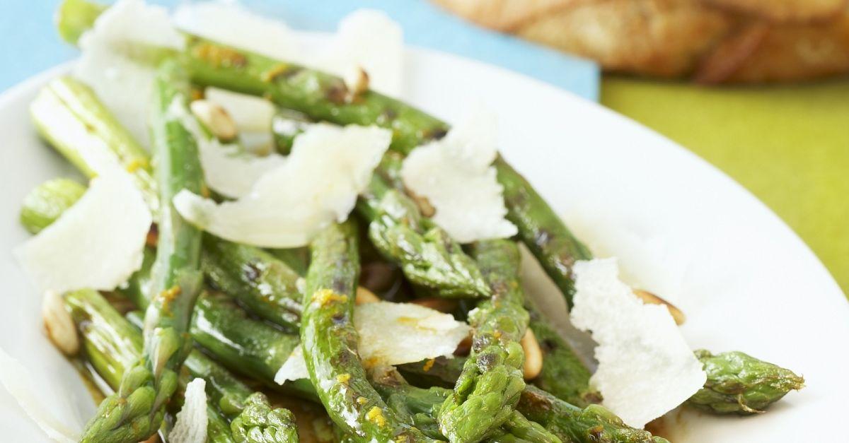 gegrillter gr ner spargel als salat rezept eat smarter. Black Bedroom Furniture Sets. Home Design Ideas