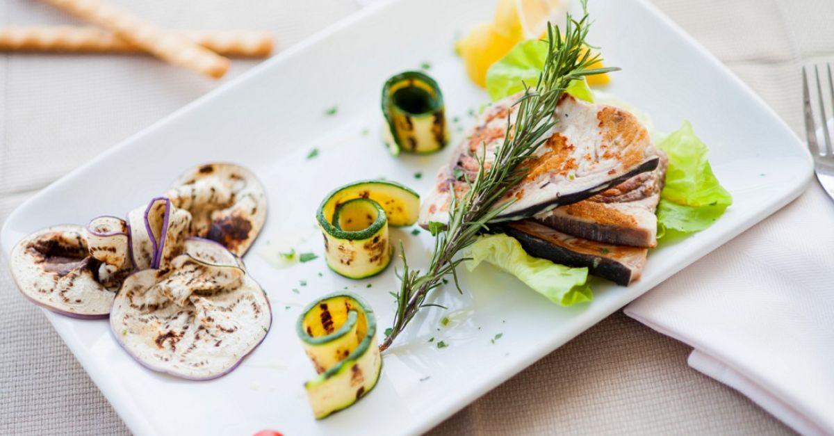 gegrillter schwertfisch mit gem se rezept eat smarter. Black Bedroom Furniture Sets. Home Design Ideas