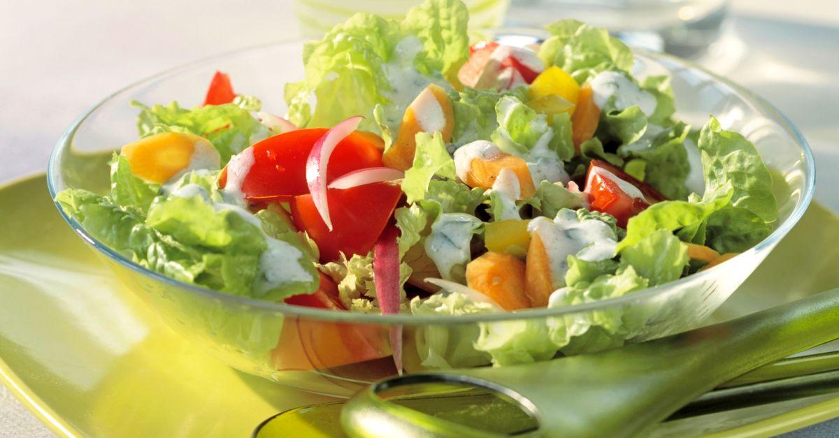 gemischter salat mit radieschen und m hren rezept eat smarter. Black Bedroom Furniture Sets. Home Design Ideas