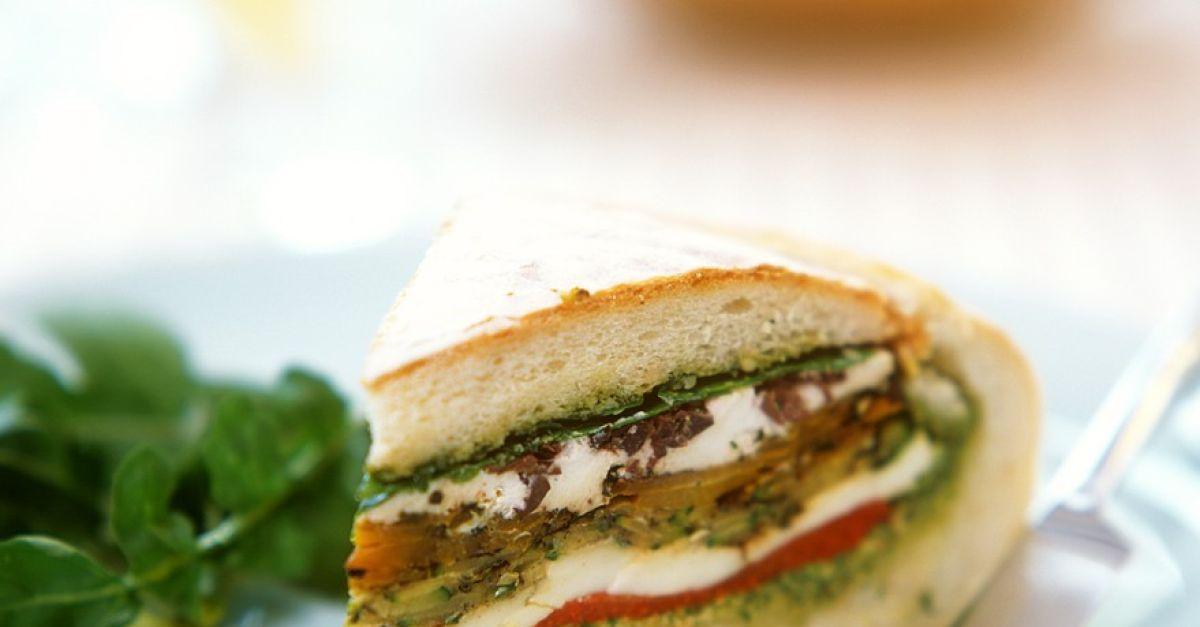 gem se mozzarella sandwich rezept eat smarter. Black Bedroom Furniture Sets. Home Design Ideas