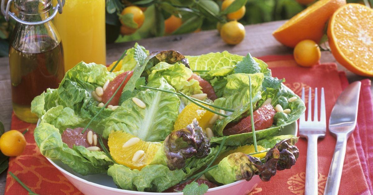 gr ner salat mit grapefruit und orangenfilets rezept eat smarter. Black Bedroom Furniture Sets. Home Design Ideas