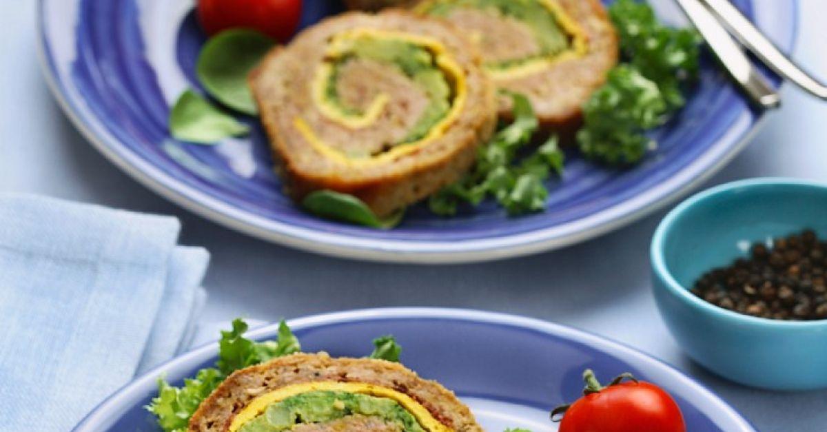 Hackbraten gefüllt mit Brokkoli und Ei Rezept | EAT SMARTER