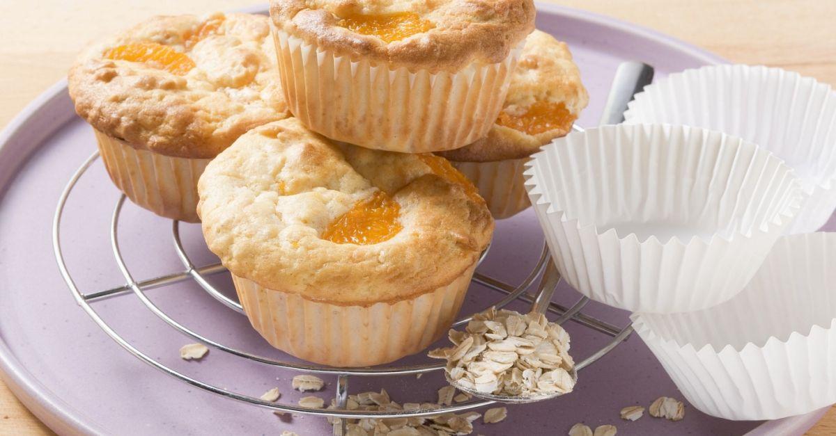 haferflocken muffins mit obst rezept eat smarter. Black Bedroom Furniture Sets. Home Design Ideas