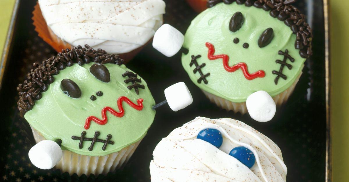 halloween cupcakes mumien und frankenstein rezept eat. Black Bedroom Furniture Sets. Home Design Ideas