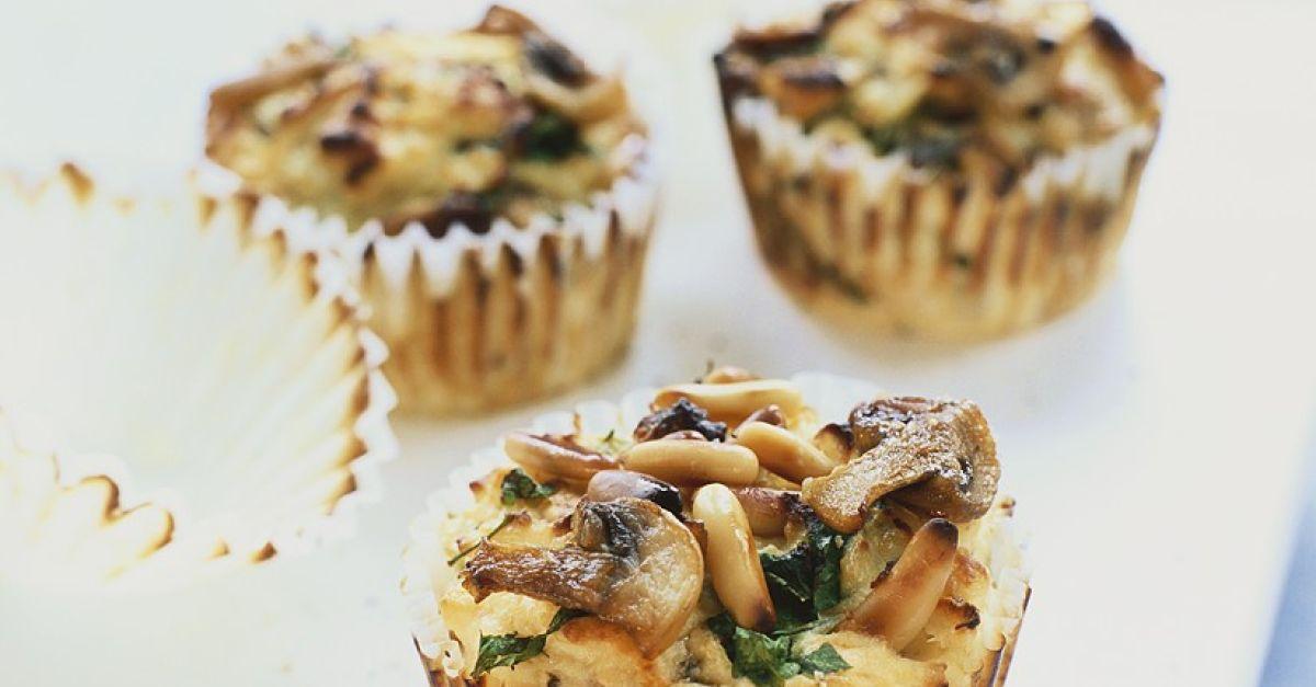 herzhafte muffins mit pilzen und pinienkernen rezept eat smarter. Black Bedroom Furniture Sets. Home Design Ideas