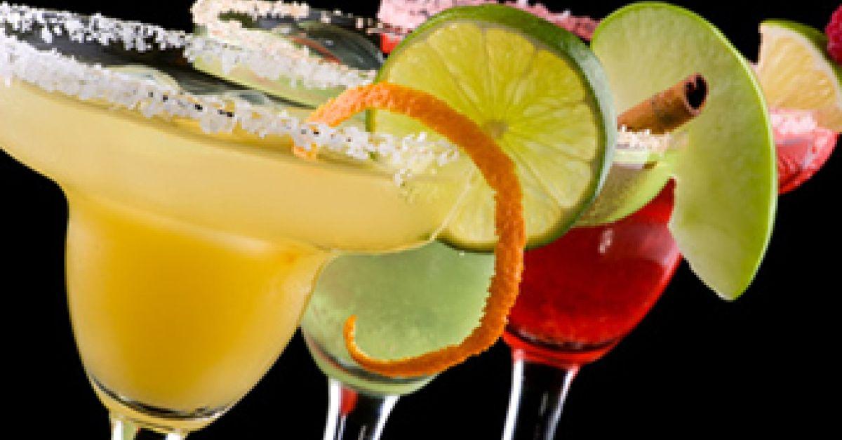 Kalorienarme Cocktails | EAT SMARTER