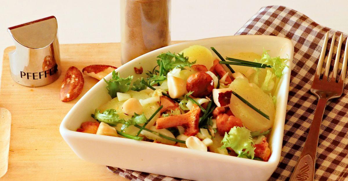 kartoffelsalat mit pfifferlingen rezept eat smarter. Black Bedroom Furniture Sets. Home Design Ideas