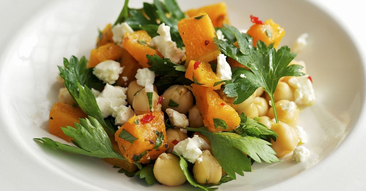 kichererbsen kuerbis salat mit feta rezept eat smarter