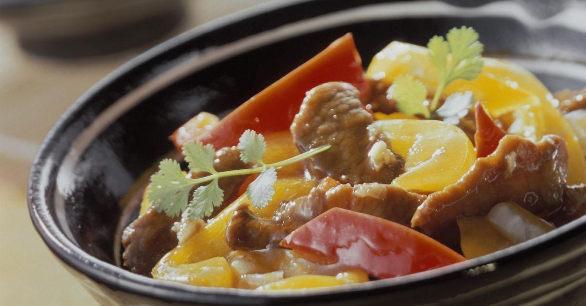 lamm und paprika aus dem wok rezept eat smarter. Black Bedroom Furniture Sets. Home Design Ideas