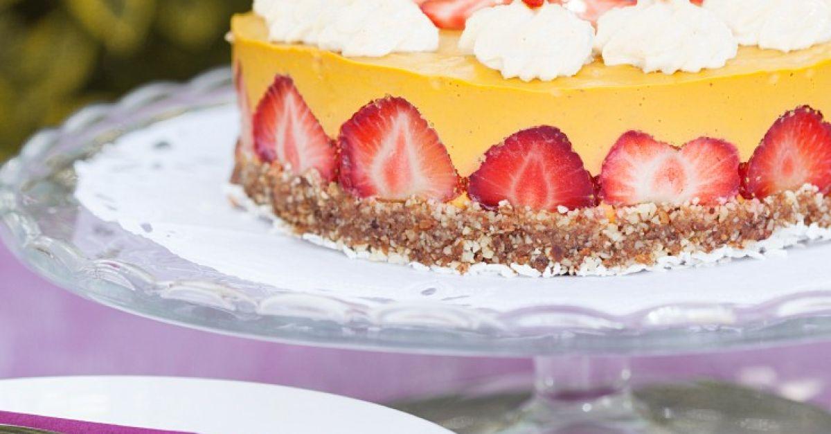 Mango Sahne Torte Mit Erdbeeren Vegan Rezept Eat Smarter
