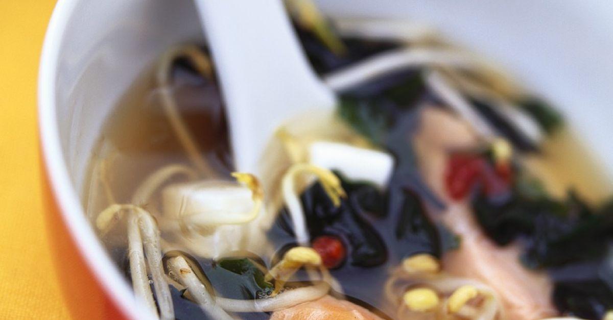 miso lachssuppe rezept eat smarter. Black Bedroom Furniture Sets. Home Design Ideas