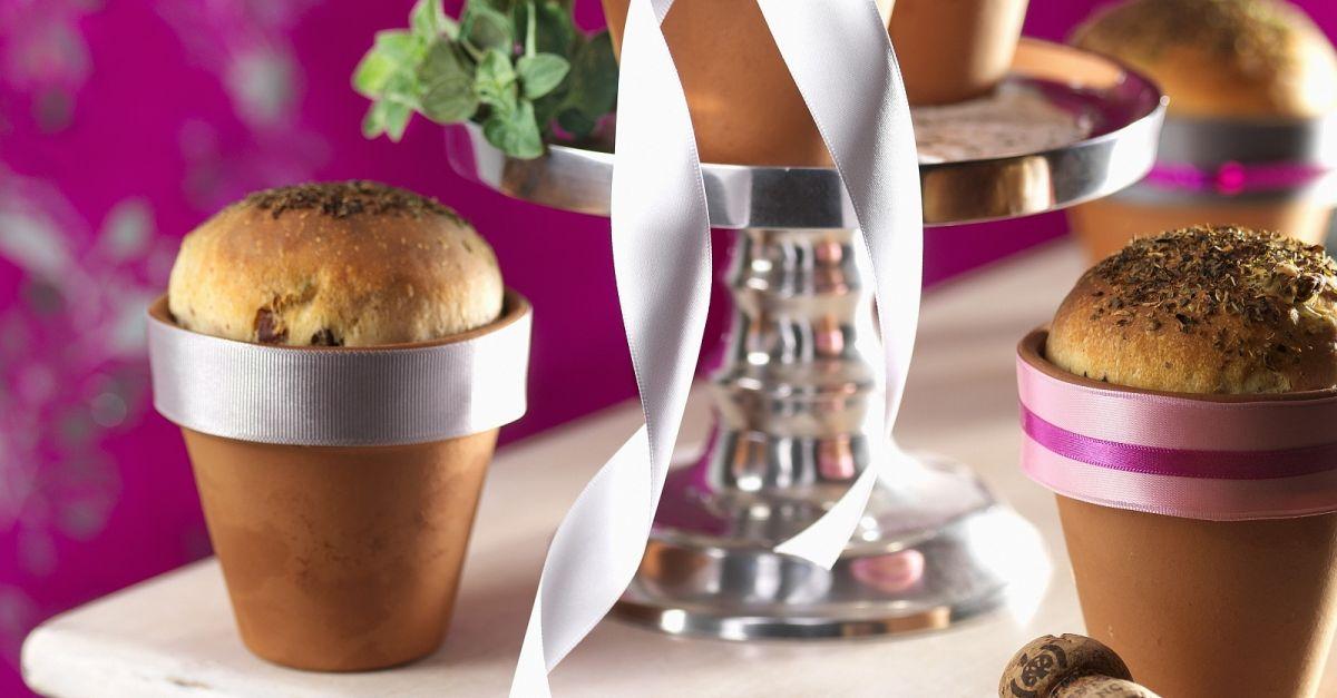 olivenbrot im blumentopf rezept eat smarter. Black Bedroom Furniture Sets. Home Design Ideas