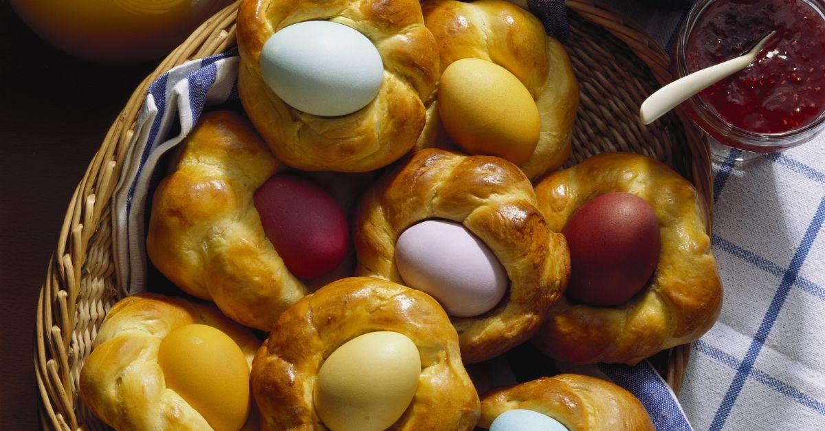 Ostereier im Hefezopfnest