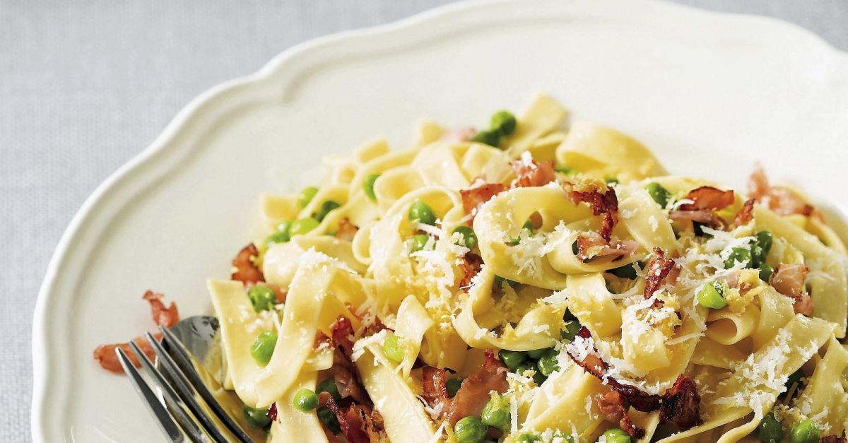 pasta mit erbsen und speck rezept eat smarter. Black Bedroom Furniture Sets. Home Design Ideas