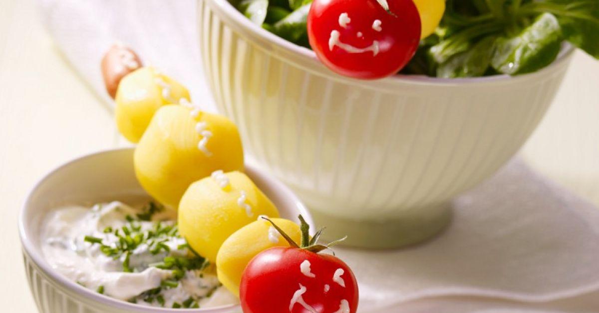 salat mit dip f r kinder rezept eat smarter. Black Bedroom Furniture Sets. Home Design Ideas