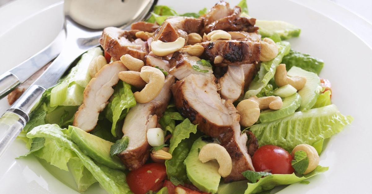 salat mit h hnchen rezept eat smarter. Black Bedroom Furniture Sets. Home Design Ideas
