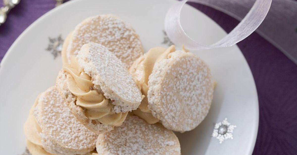 Sandwich Cookies mit Cremefüllung zu Weihnachten Rezept | EAT SMARTER
