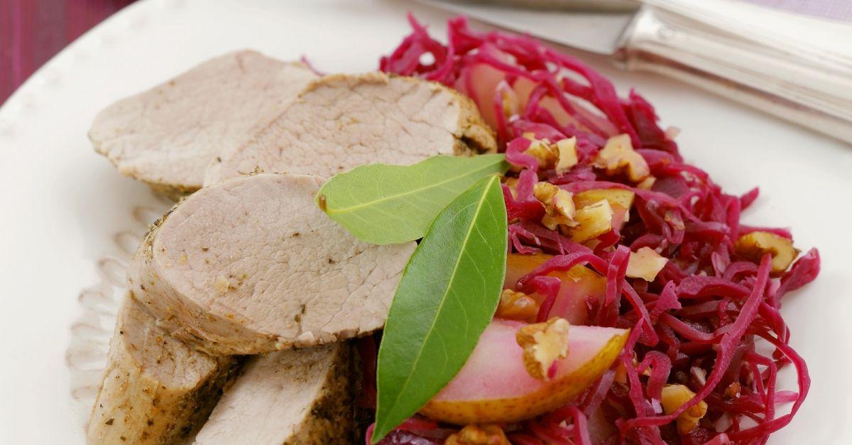 schweinelende mit birnen blaukraut salat rezept eat smarter. Black Bedroom Furniture Sets. Home Design Ideas