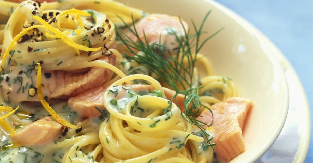 spaghetti mit lachs dill so e rezept eat smarter. Black Bedroom Furniture Sets. Home Design Ideas