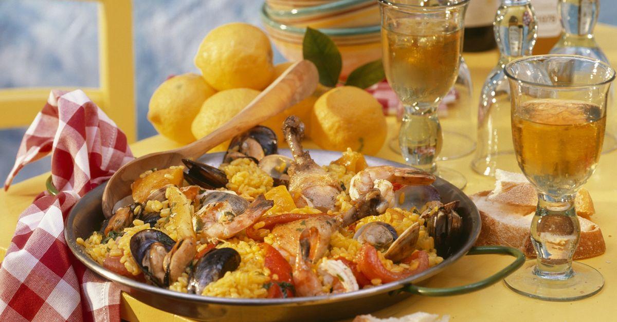 spanische paella rezept eat smarter. Black Bedroom Furniture Sets. Home Design Ideas