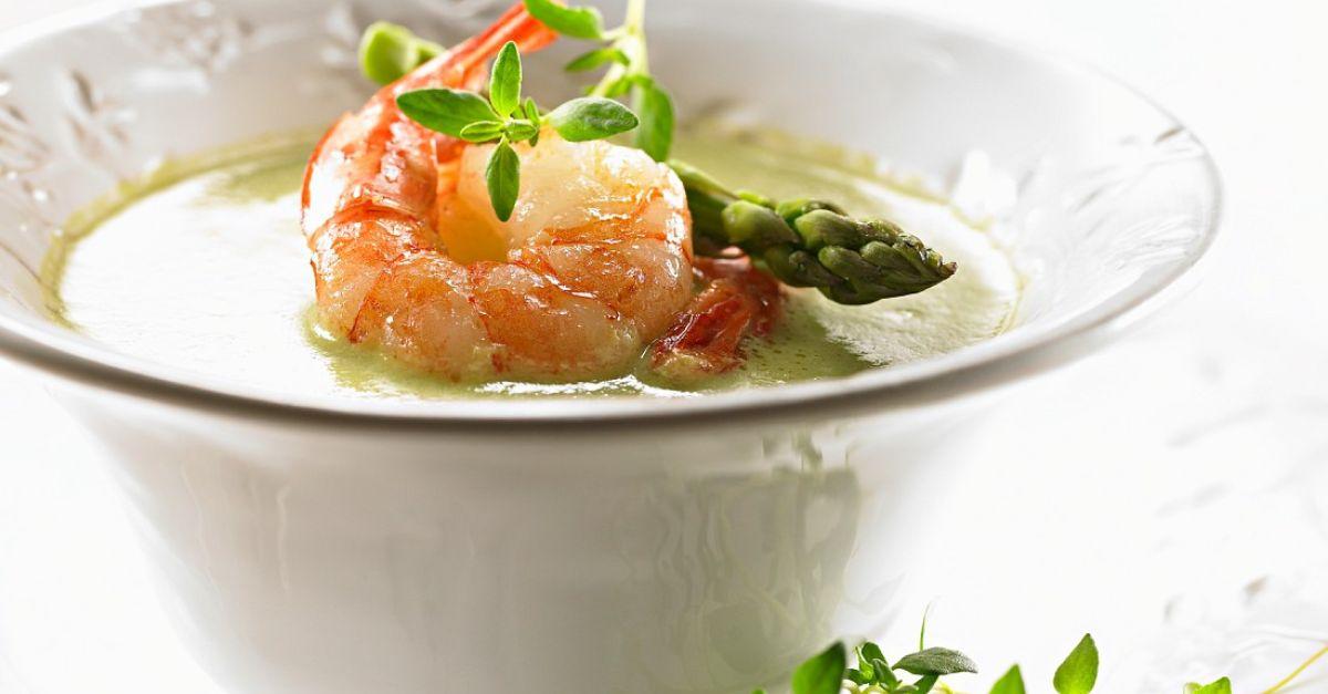 spargelsuppe mit shrimps rezept eat smarter. Black Bedroom Furniture Sets. Home Design Ideas