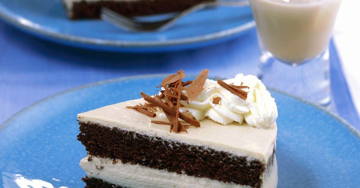 Stuck Baileys Torte Mit Sahne Und Schokoraspeln Rezept Eat Smarter