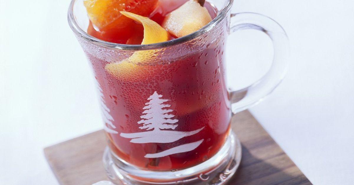 Winterlicher Sangria Rezept | EAT SMARTER