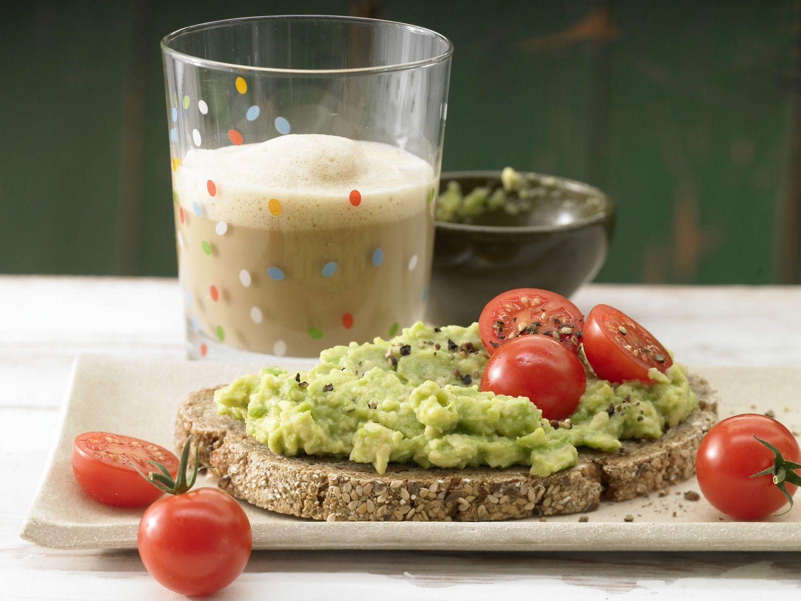 Avocadocreme Auf Vollkornbrot Rezept Eat Smarter