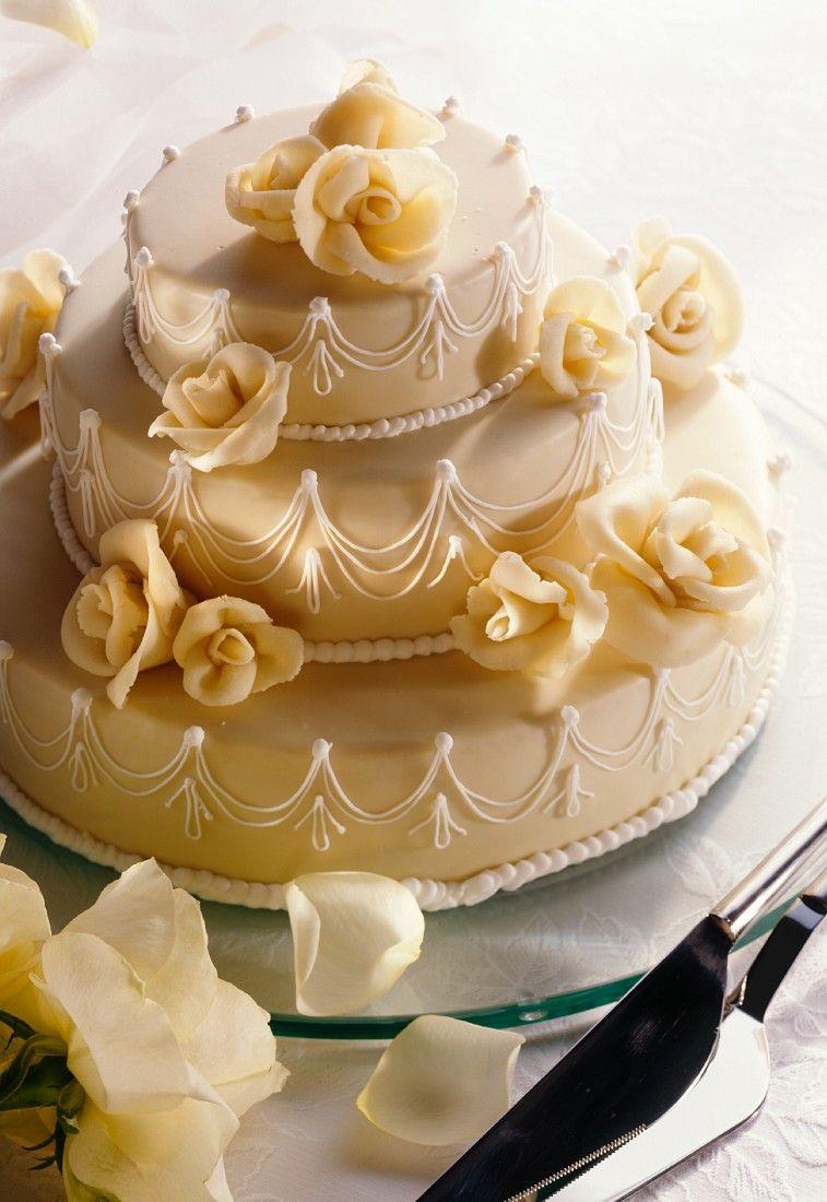 Kuchen mit marzipan verkleiden