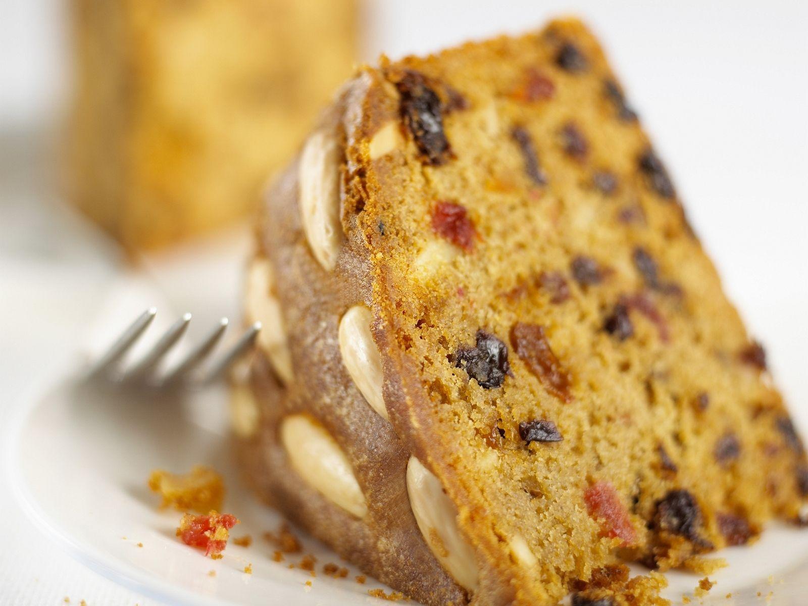 Früchtekuchen auf schottische Art Rezept | EAT SMARTER