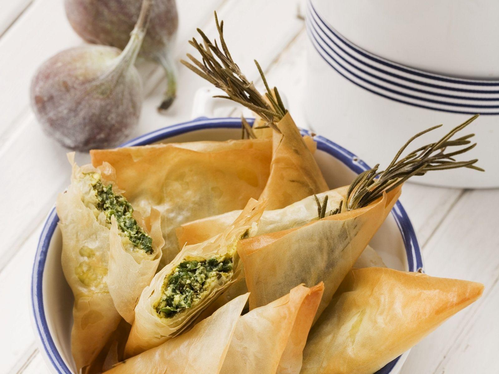 Filoteigtaschen mit zweierlei Füllung Spinat Feta oder Feige Walnuss