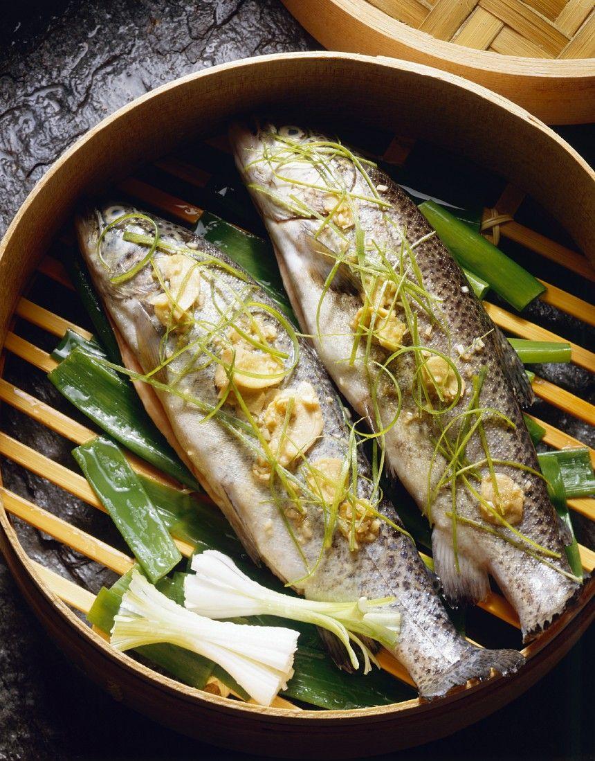 Forellen Im Bambuskorb Gegart Rezept Eat Smarter