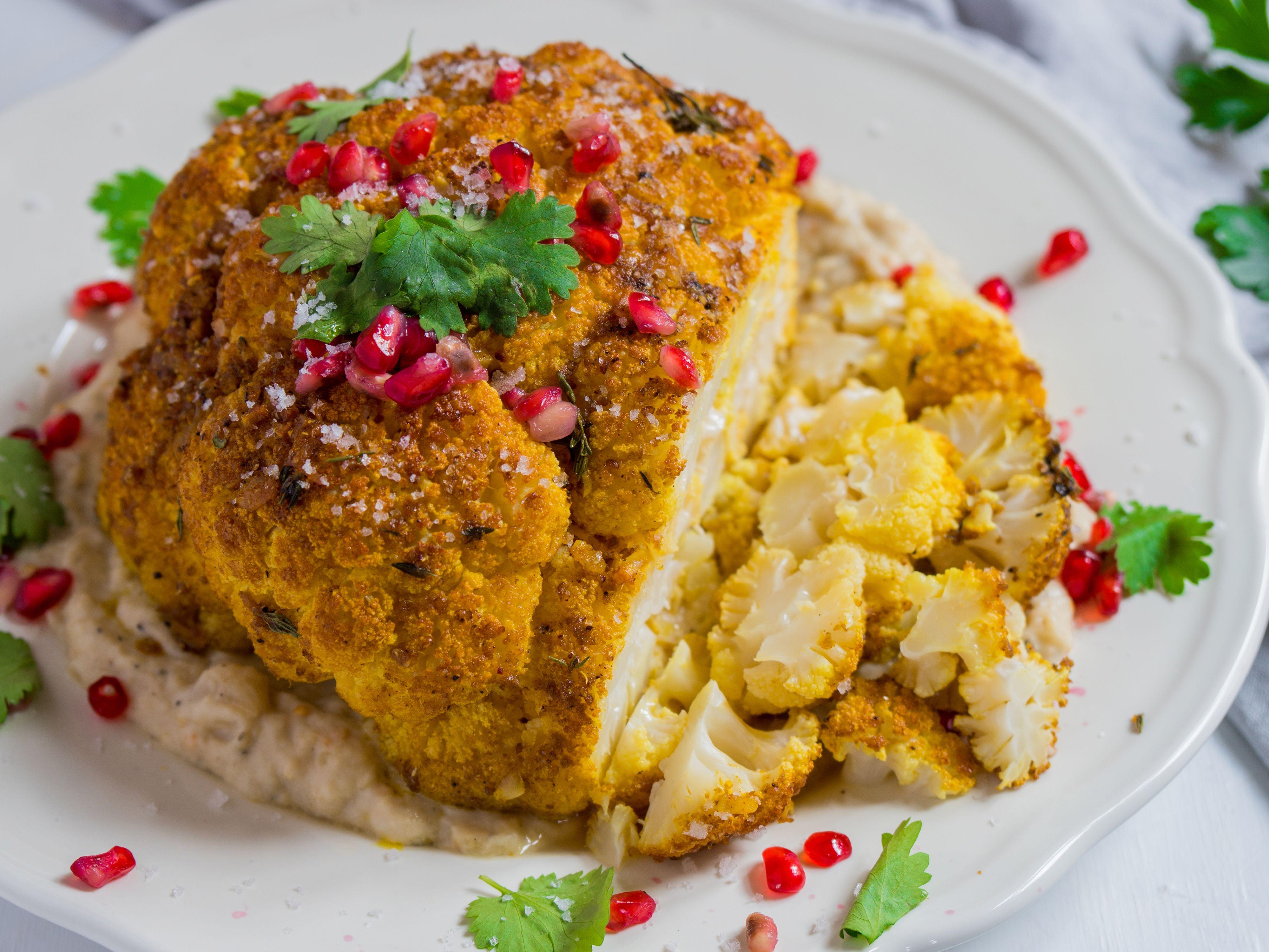 Weihnachtsessen Vegetarisch Festlich.Gewürz Blumenkohl Braten