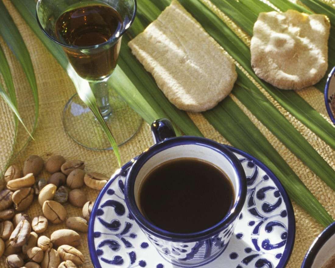 Gewürzkaffee mit Schuss Rezept | EAT SMARTER