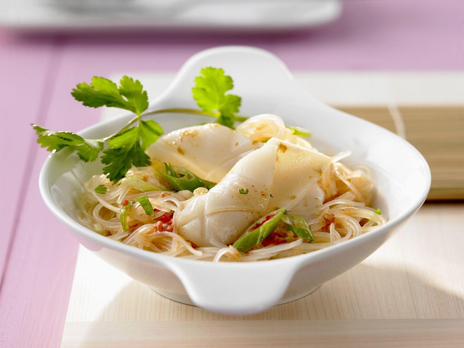 Glasnudeln mit Tintenfisch und Kokossauce Rezept   EAT SMARTER