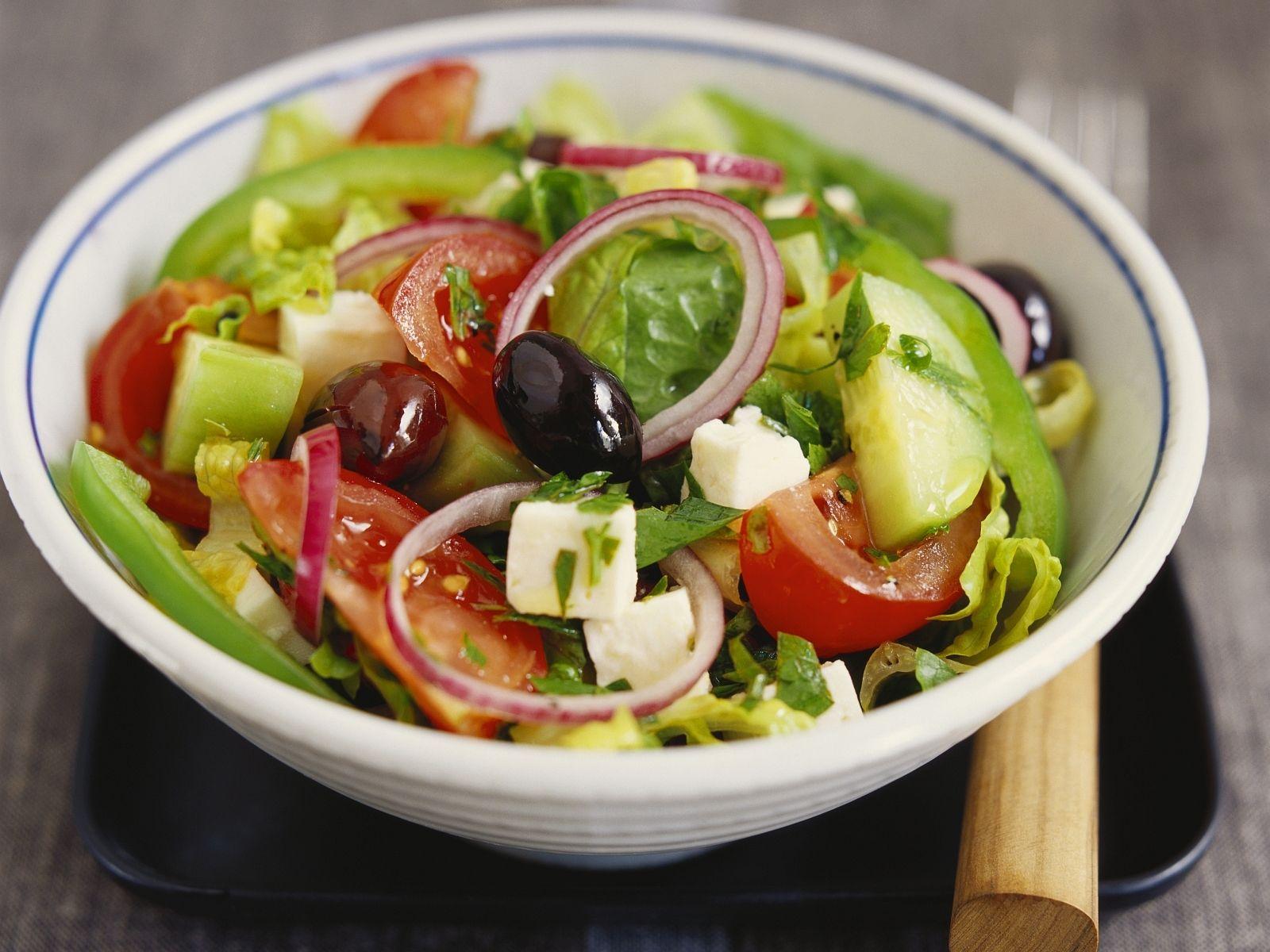 Griechischer Salat Rezept | EAT SMARTER