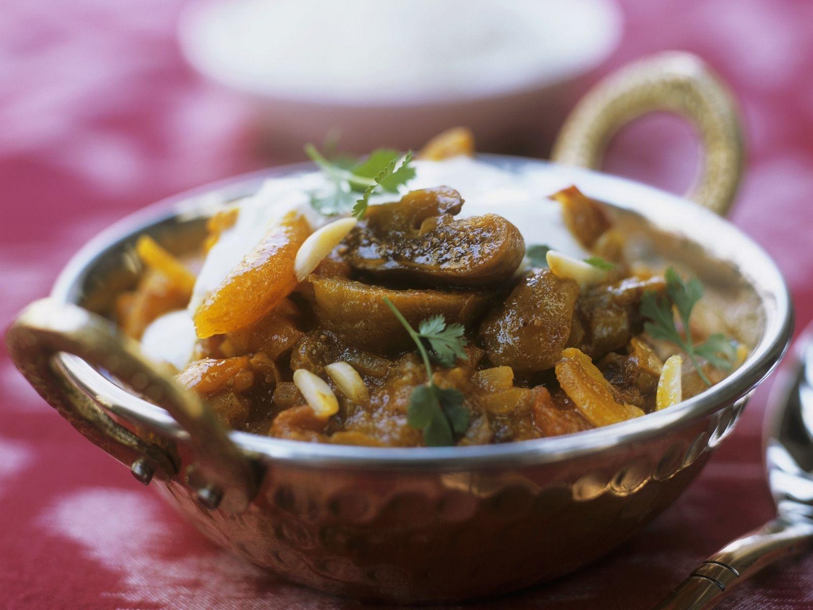 Hähnchen mit Aprikosen auf ayurvedische Art Rezept | EAT SMARTER