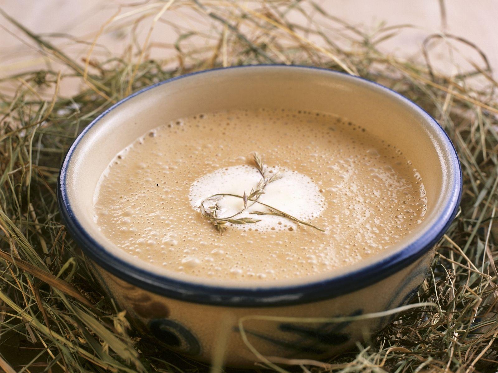 Heusuppe auf Engadiner Art (Schweiz) Rezept | EAT SMARTER