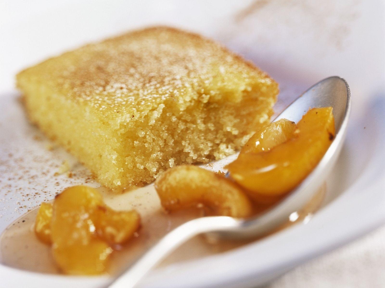 Joghurt Griess Kuchen Mit Aprikosenkompott Rezept Eat Smarter