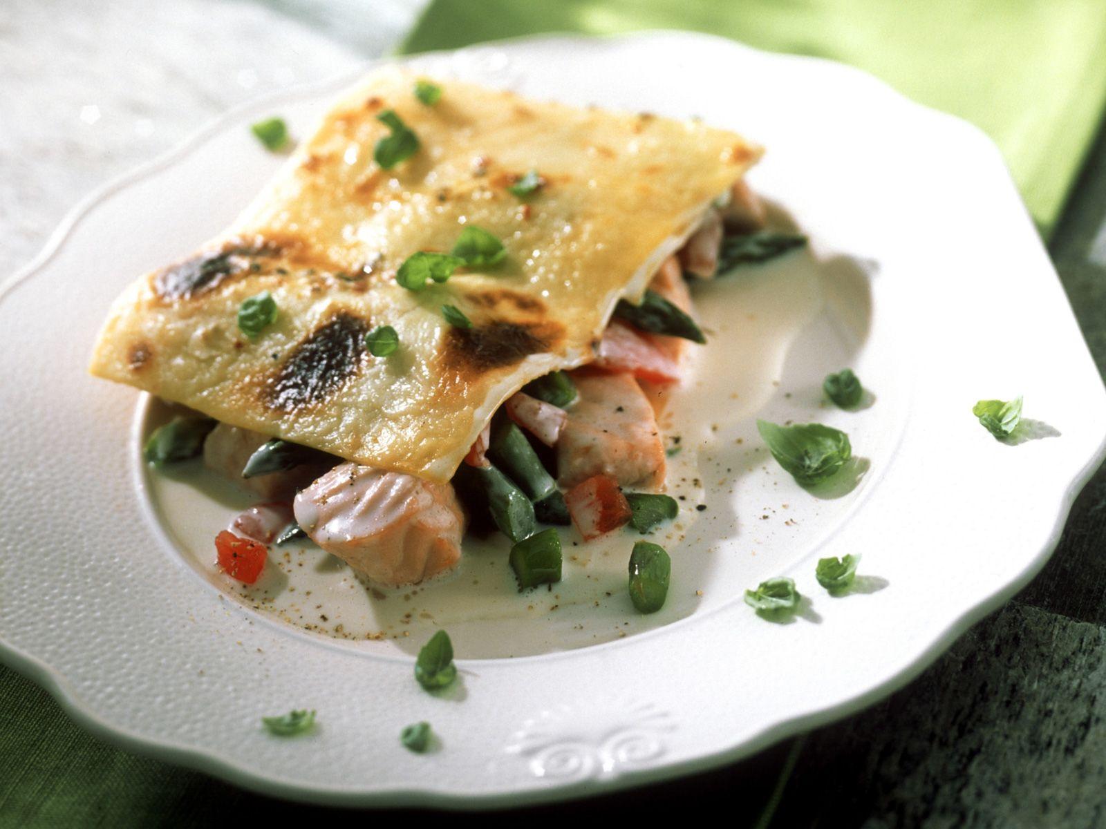 Lachs Lasagne Mit Gorgonzola Spargel Und Tomaten Rezept Eat Smarter
