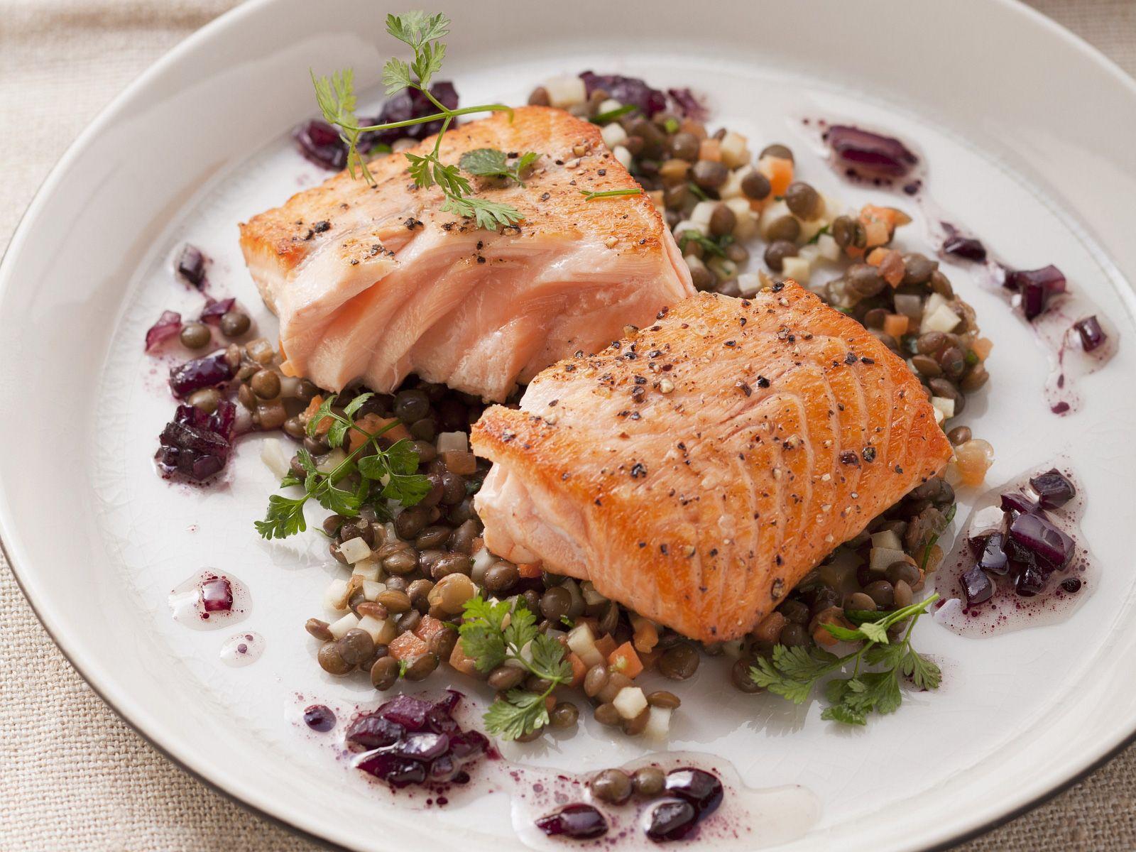 Lachsfilets Auf Berglinsen Rezept Eat Smarter
