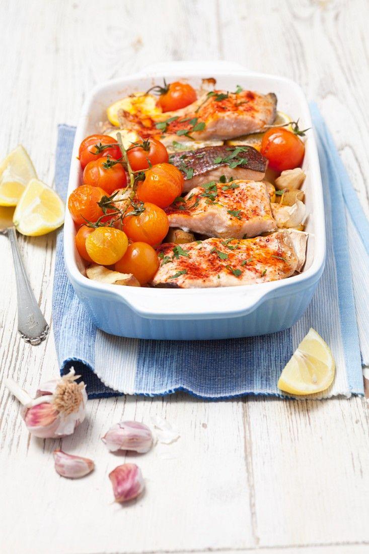 Lachsforellenfilet Mit Kartoffeln Aus Dem Ofen Rezept Eat Smarter