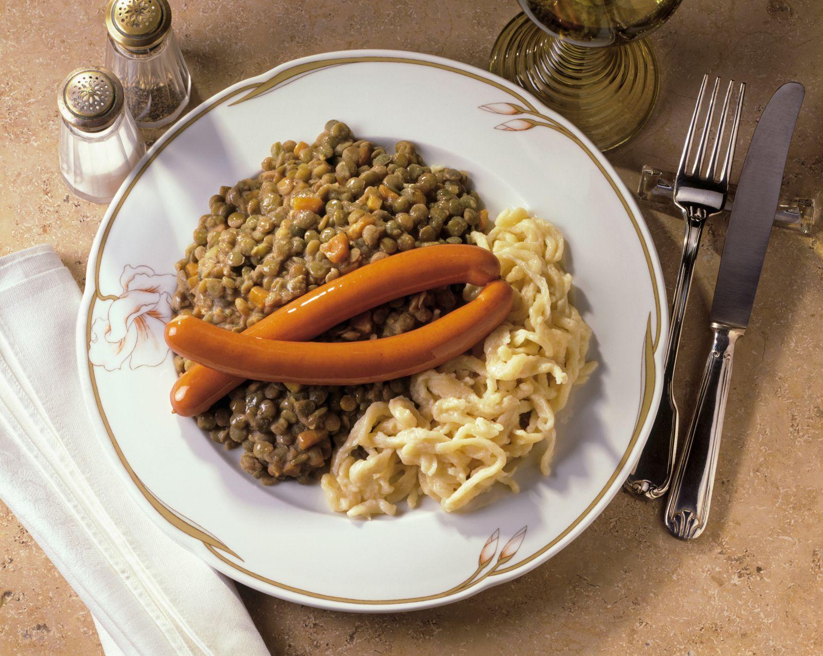 Linsen Mit Würstchen Und Spätzle Rezept Eat Smarter