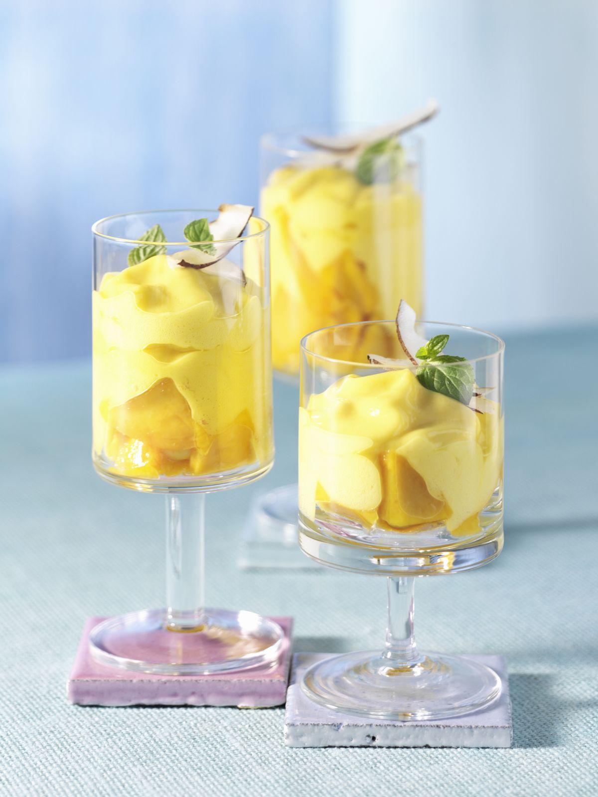 Mango-Kokos-Smoothie Rezept | EAT SMARTER
