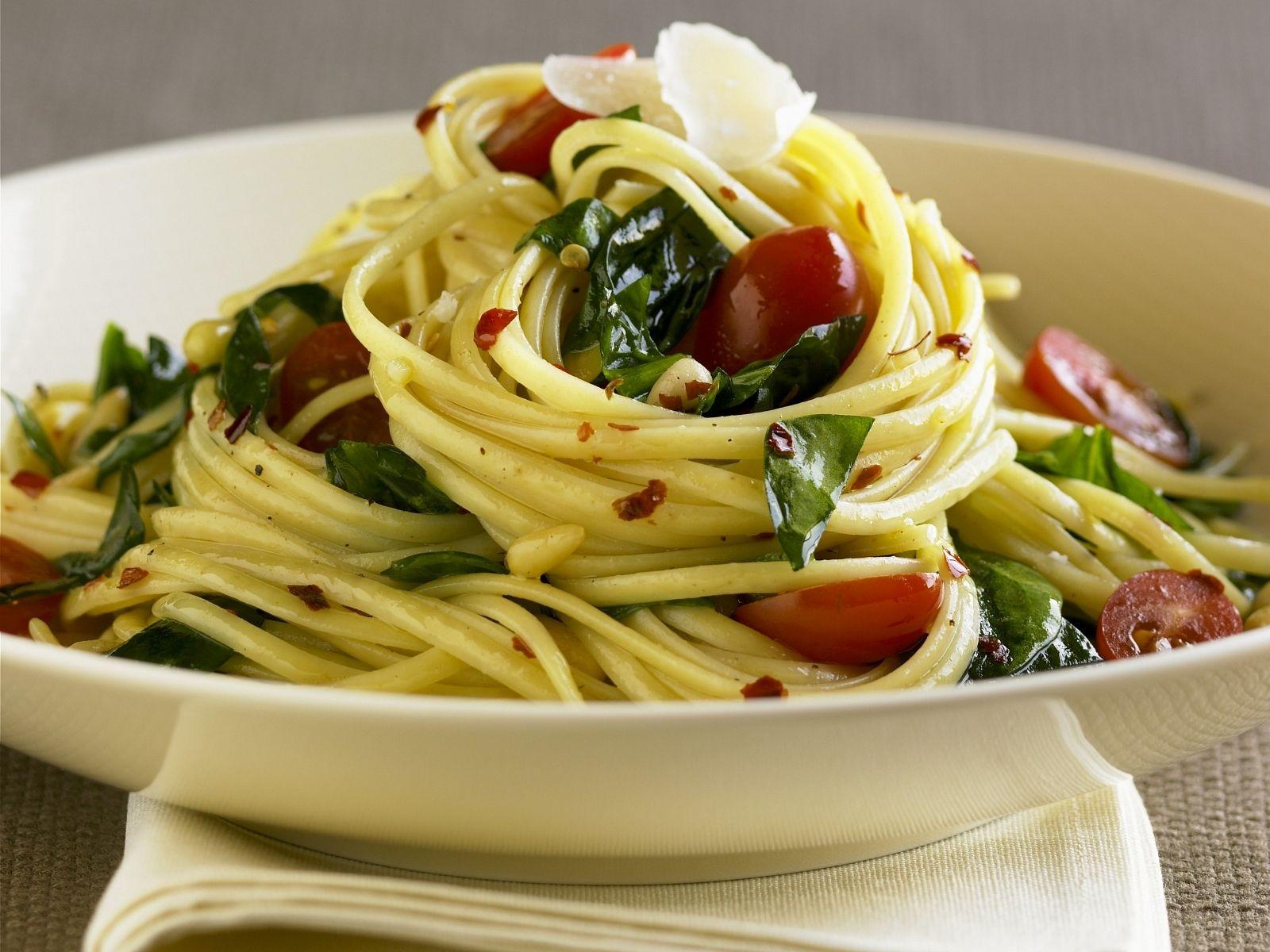 Italienische Küche Rezepte Pasta | Pasta Mit Tomaten Und Basilikum Rezept Eat Smarter